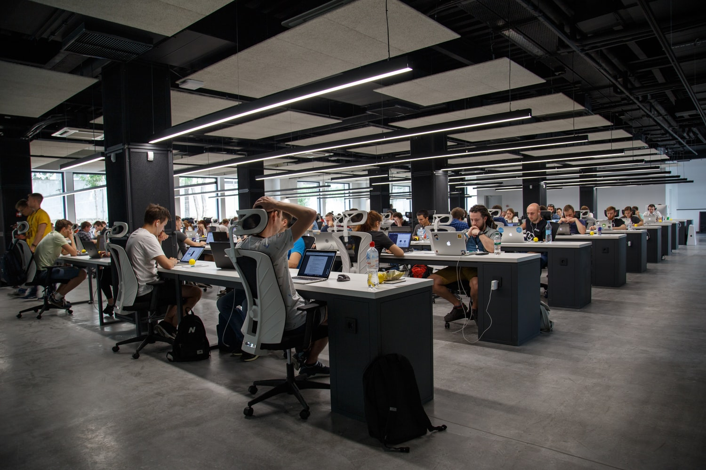 Contratação além das Universidades: O que analisar para contratar funcionários?